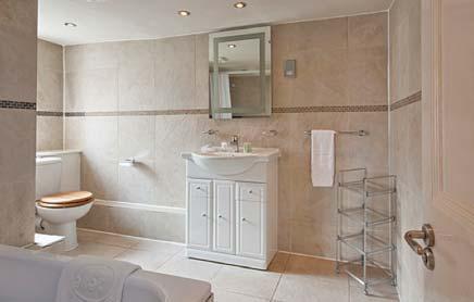 17 Hertford Street Serviced Apartments Mayfair London - bathroom | Urban Stay