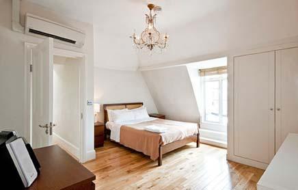 17 Hertford Street Serviced Apartments Mayfair London - bedroom wood floor | Urban Stay