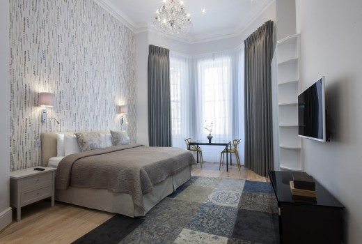 17-Hertford-Street-Serviced-Apartments-Mayfair-London---luxury-bedroom-|-Urban-Stay