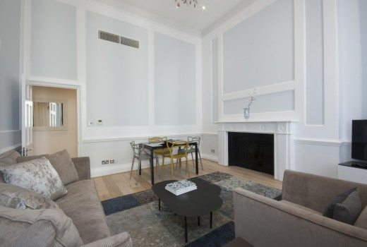 17-Hertford-Street-Serviced-Apartments-Mayfair-London---luxury-living-room-|-Urban-Stay
