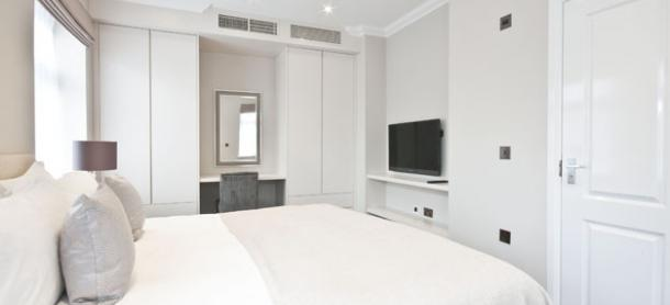 Ashburn Court South Kensington Serviced Apartments London - Spacious Bedroom | Urban Stay