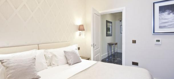 Ashburn Court South Kensington Serviced Apartments London - Luxurious Bedroom | Urban Stay