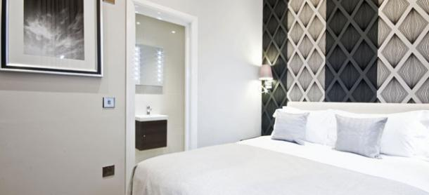 Ashburn Court South Kensington Serviced Apartments London - Bedroom with Ensuite | Urban Stay