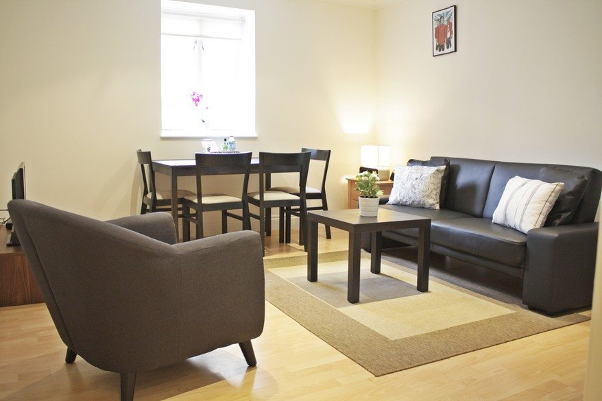 Cheap-Corporate-Accommodation-Liverpool-Street---Abbotts-Chambers-Bishopsgate---Book-Urban-Stay-serviced-apartments-London-City