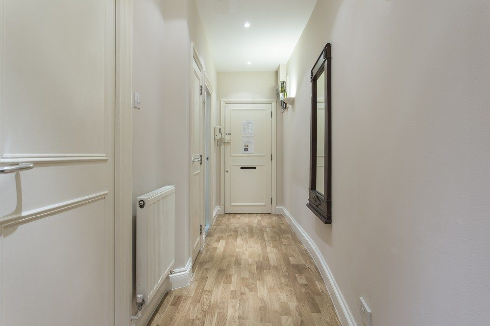 Corporate-accommodation-Liverpool-Street-London---Abbotts-Chambers-Apartments-Hallway