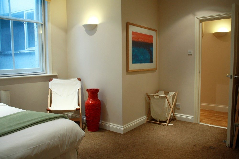 Corporate-accommodation-Liverpool-Street-London---Abbotts-spacious-bedroom
