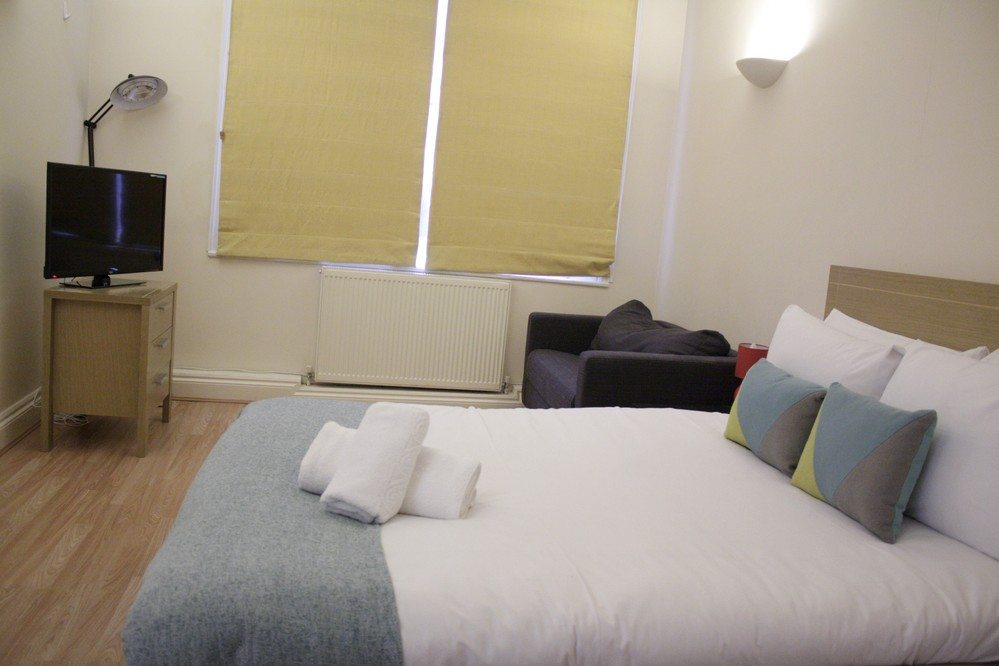 Corporate-accommodation-Liverpool-Street-London---Apartments-small-bedroom