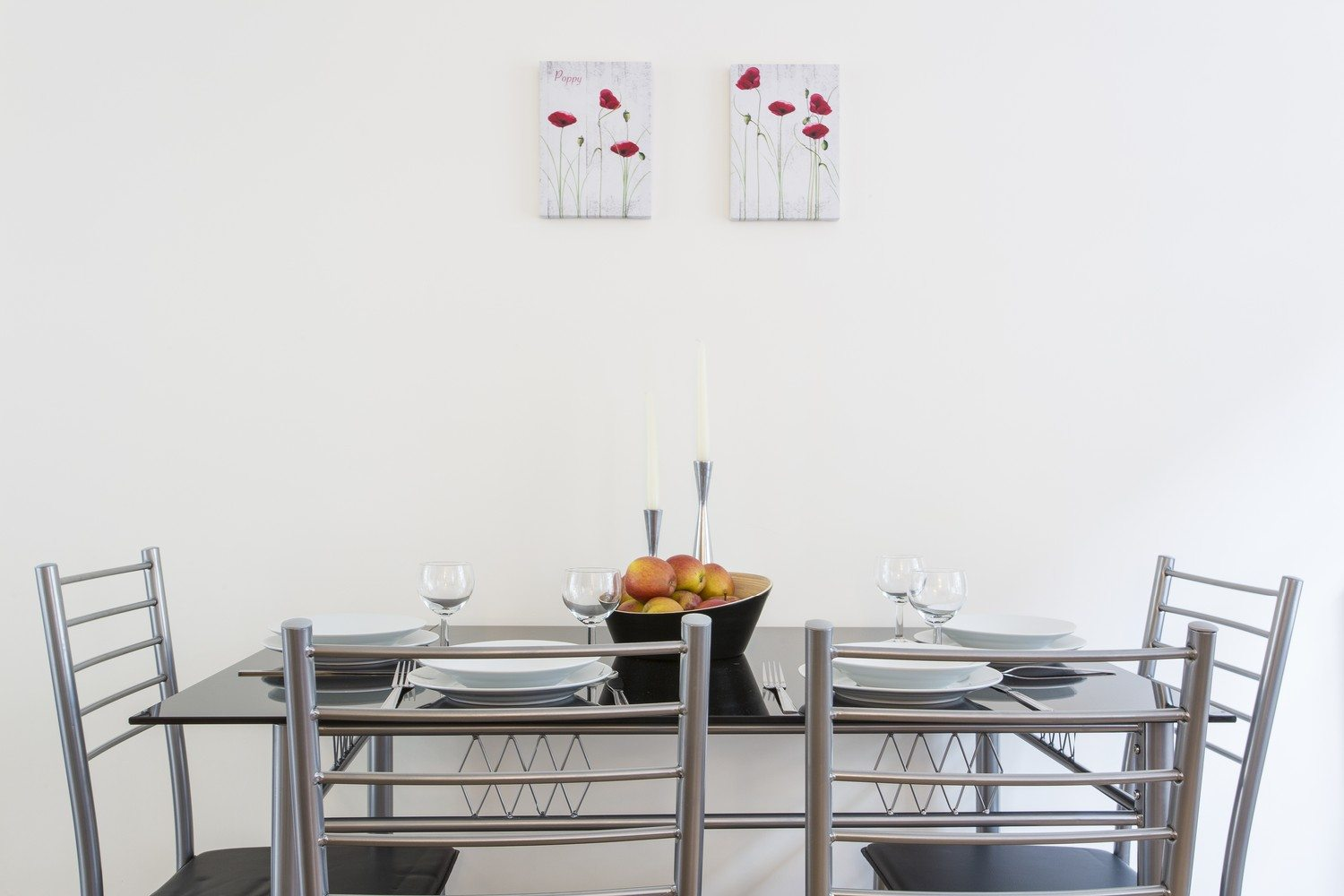 Liverpool Street Serviced Accommodation Artillery Lane Apartments Dining Table