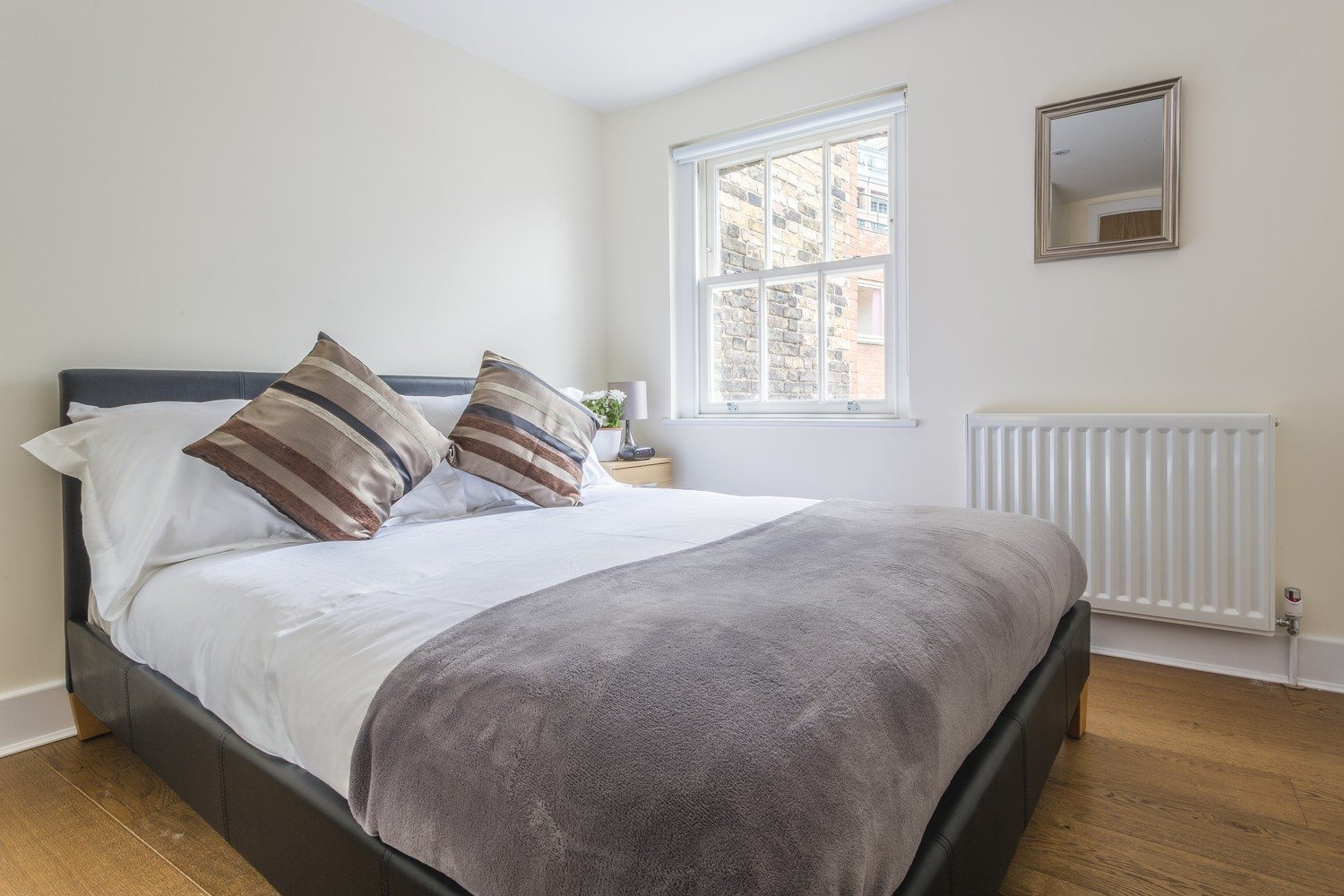 Liverpool Street Serviced Accommodation Artillery Lane Apartments Double Bedroom