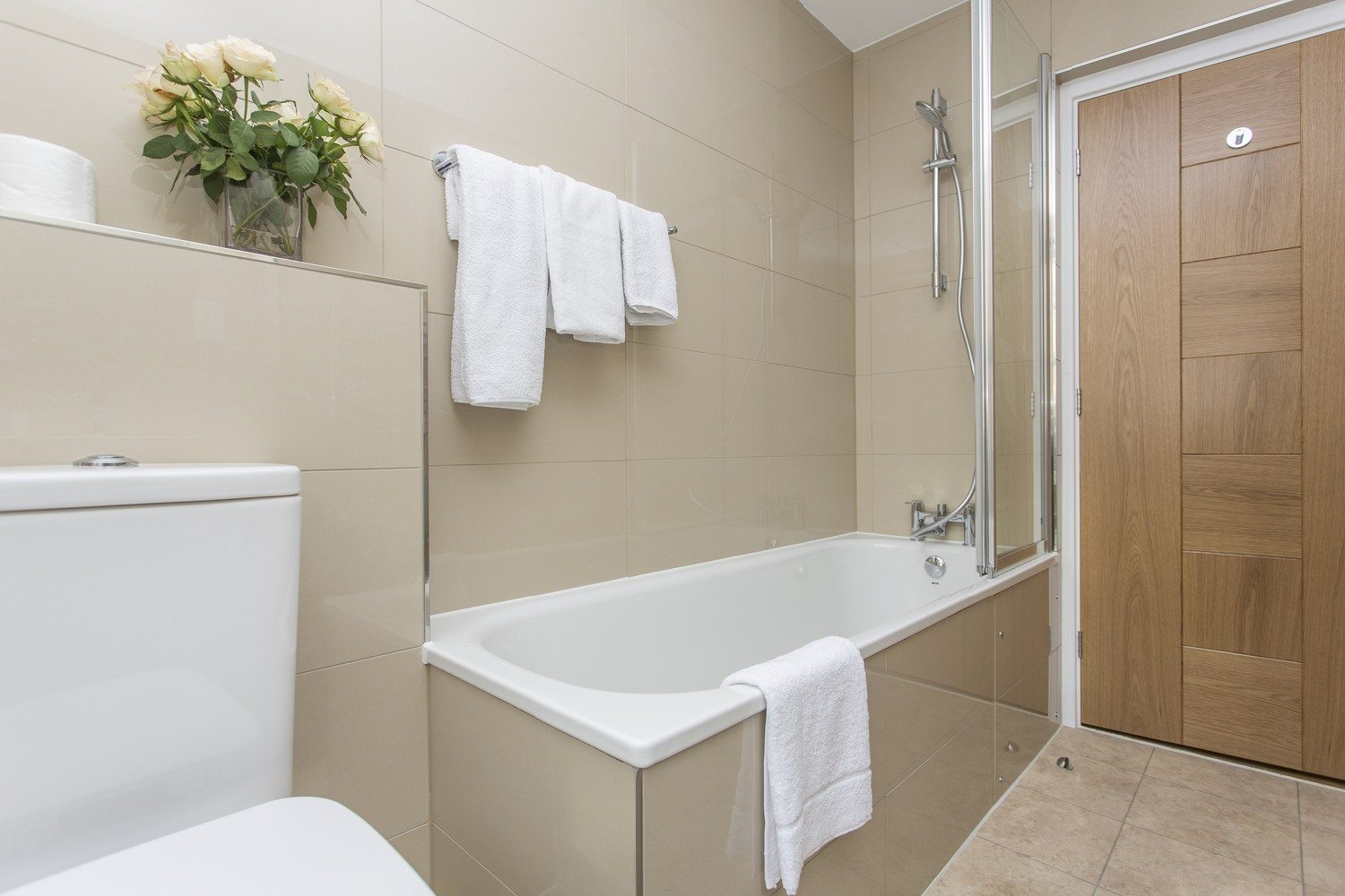 Liverpool Street Serviced Accommodation Artillery Lane Apartments Family Bathroom