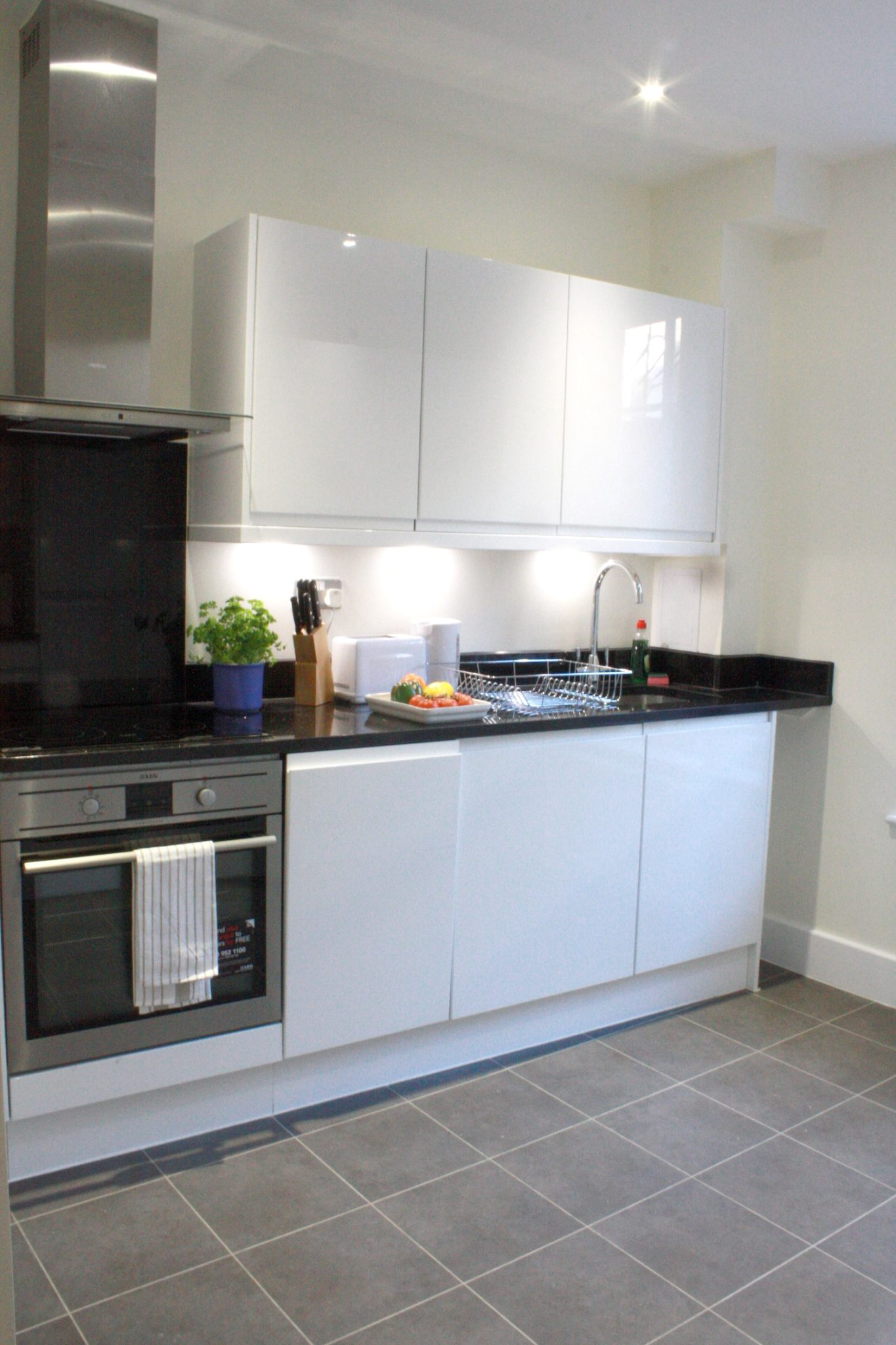 Liverpool Street Serviced Accommodation Artillery Lane Apartments Fully equipped Kitchen