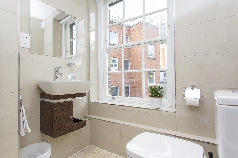 Liverpool Street Serviced Accommodation Artillery Lane Apartments Master Bathroom