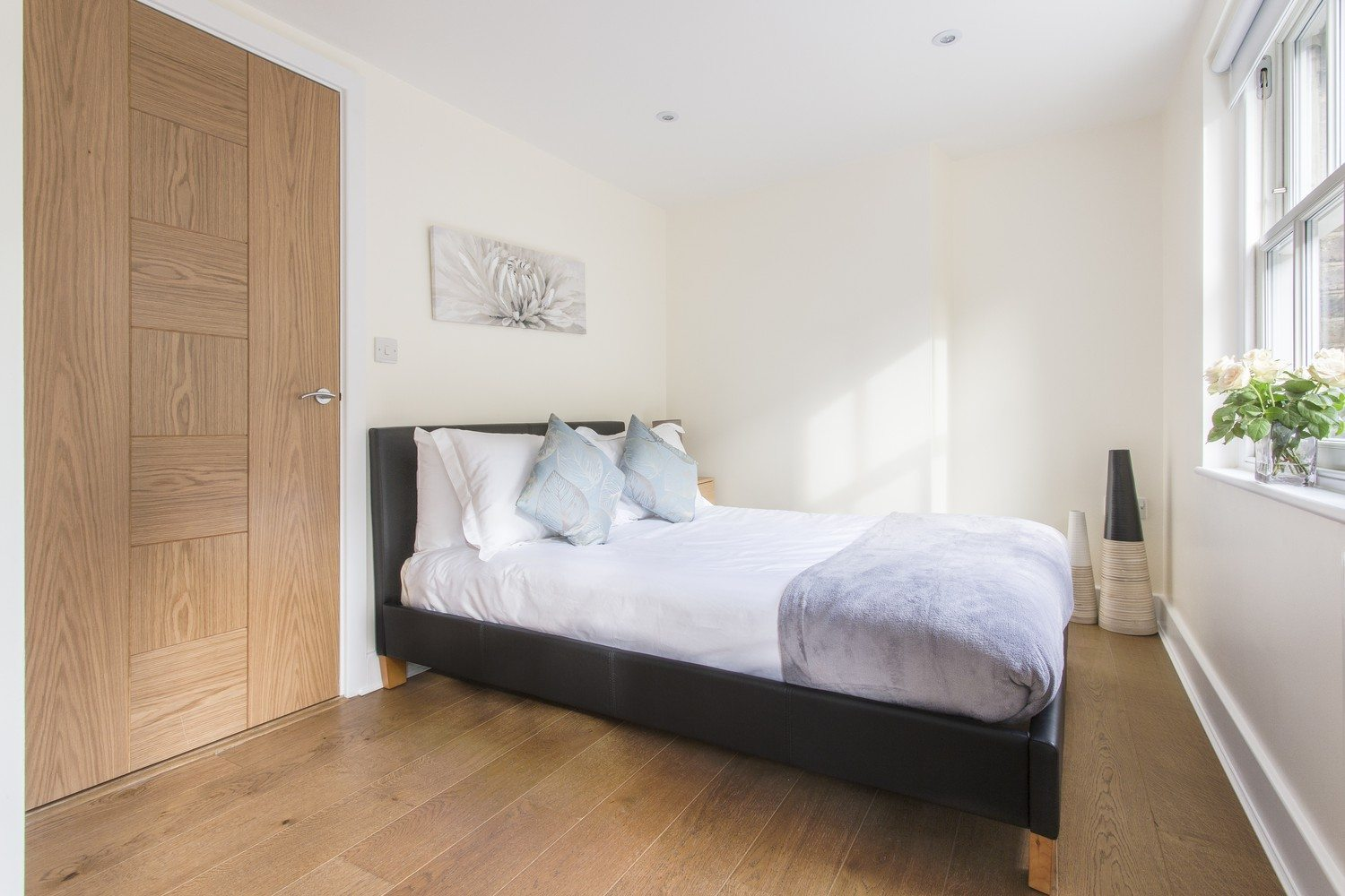 Liverpool Street Serviced Accommodation Artillery Lane Apartments Master Bedroom