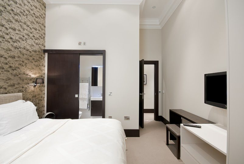 Luxury-Accommodation-South-Kensington---130-Queens-Gate-Apartments-Bedroom-2