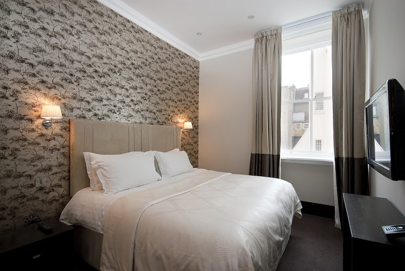 Luxury-Accommodation-South-Kensington---130-Queens-Gate-Apartments-Bedroom-3