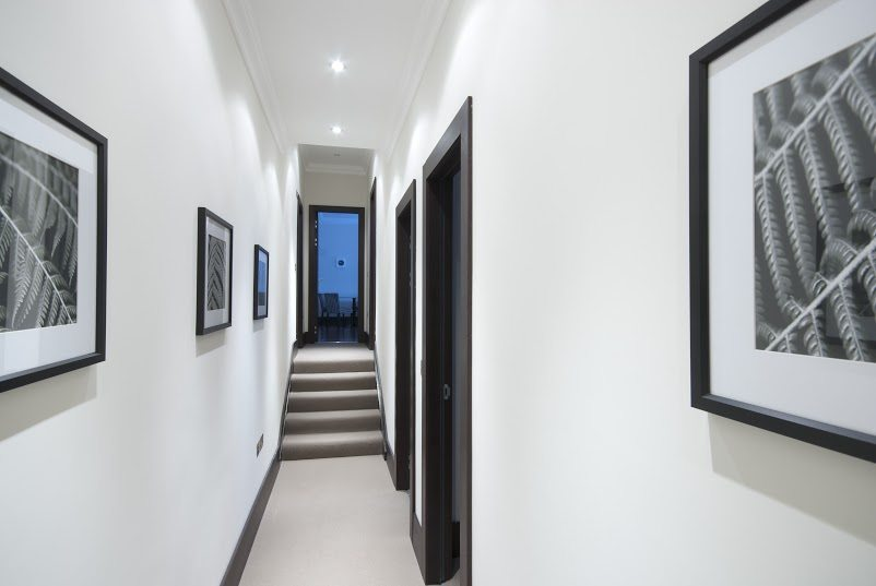 Luxury-Accommodation-South-Kensington---130-Queens-Gate-Apartments-Hallway