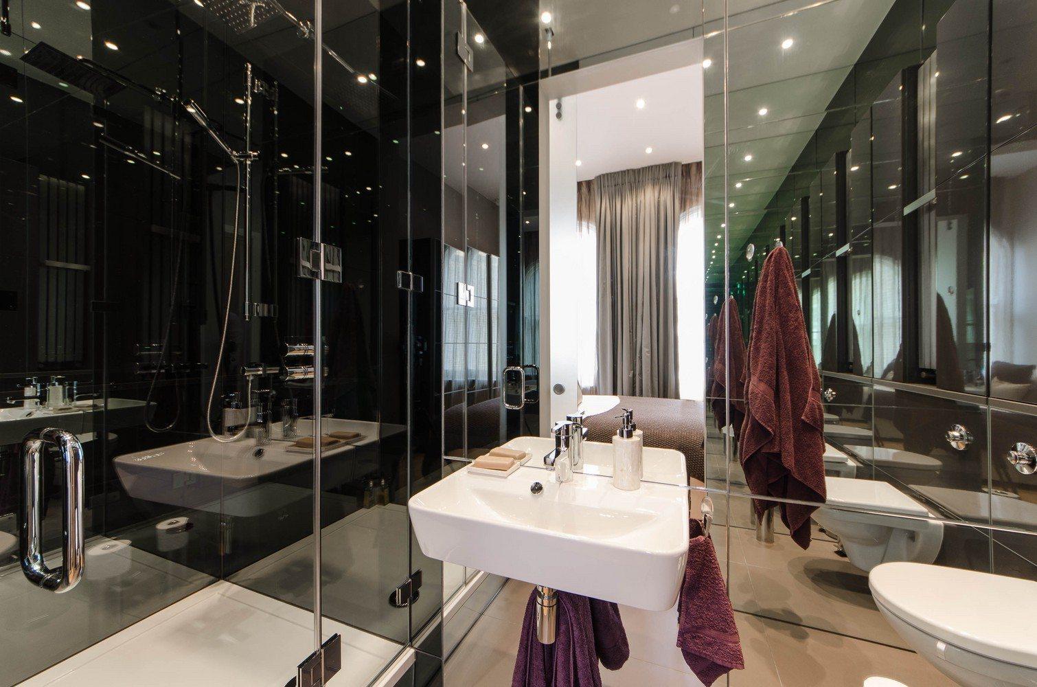 Luxury-Apartments-South-Kensington---Southwell-Gardens-Luxurious-Bathroom
