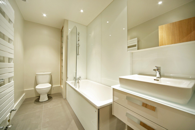 Luxury-Apartments-South-Kensington---Southwell-Gardens-Bathroom