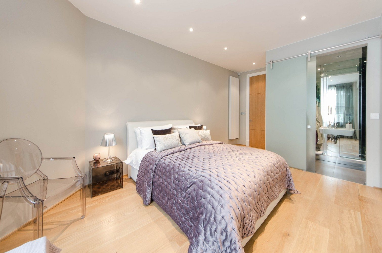 Luxury-Apartments-South-Kensington---Luxurious-Bedroom-London