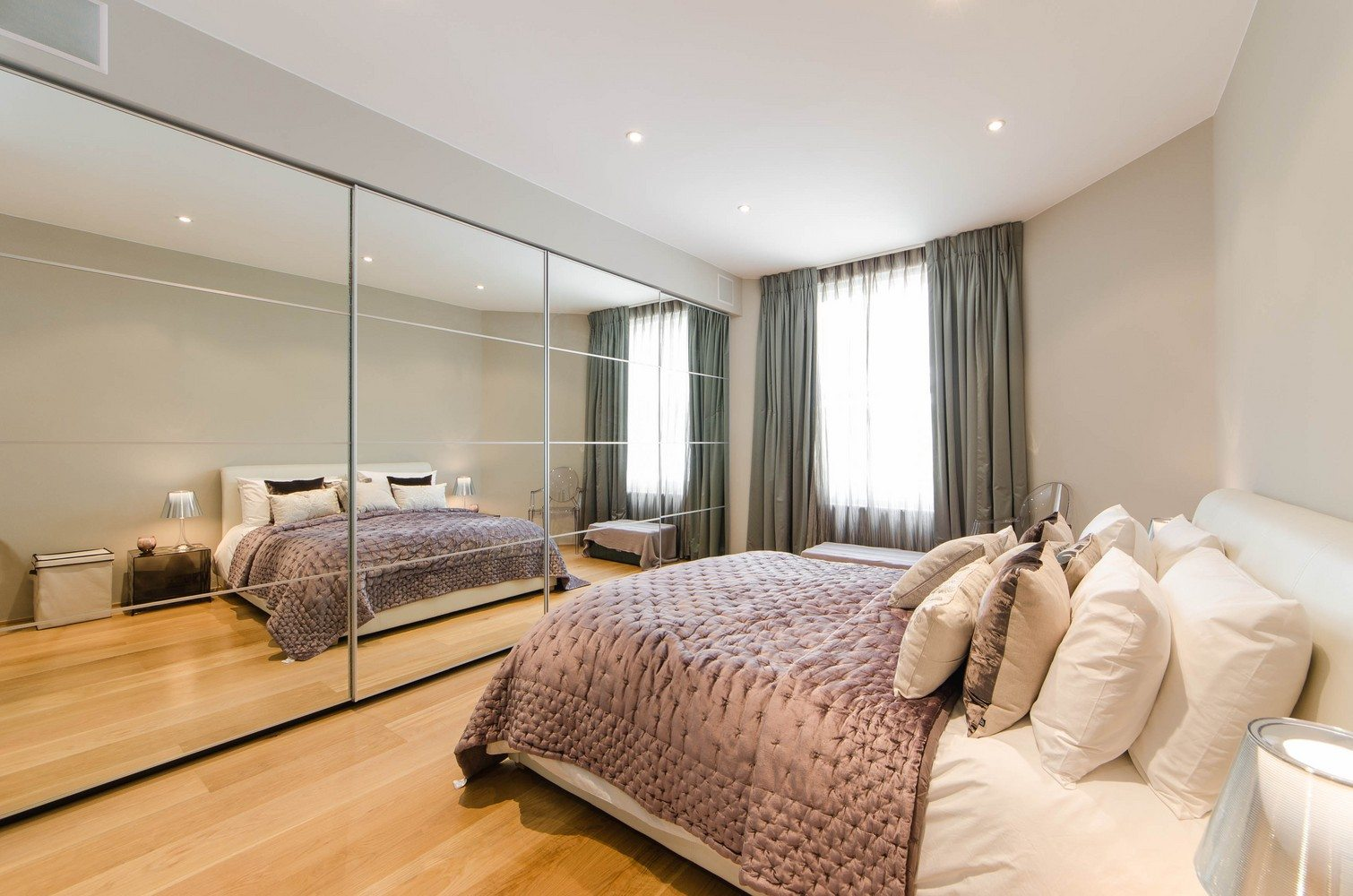 Luxury-Apartments-South-Kensington---Spacious-Bedroom
