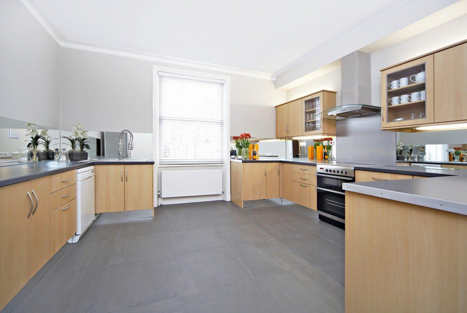 Luxury-Apartments-South-Kensington---Southwell-Gardens-Spacious-Kitchen