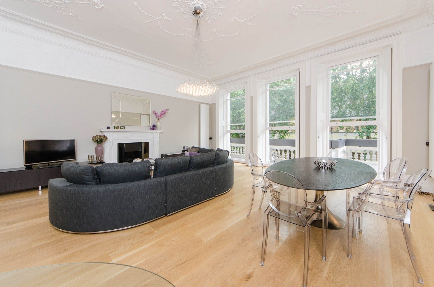 Luxury-Apartments-South-Kensington---Living-Room-and-Dining-Area