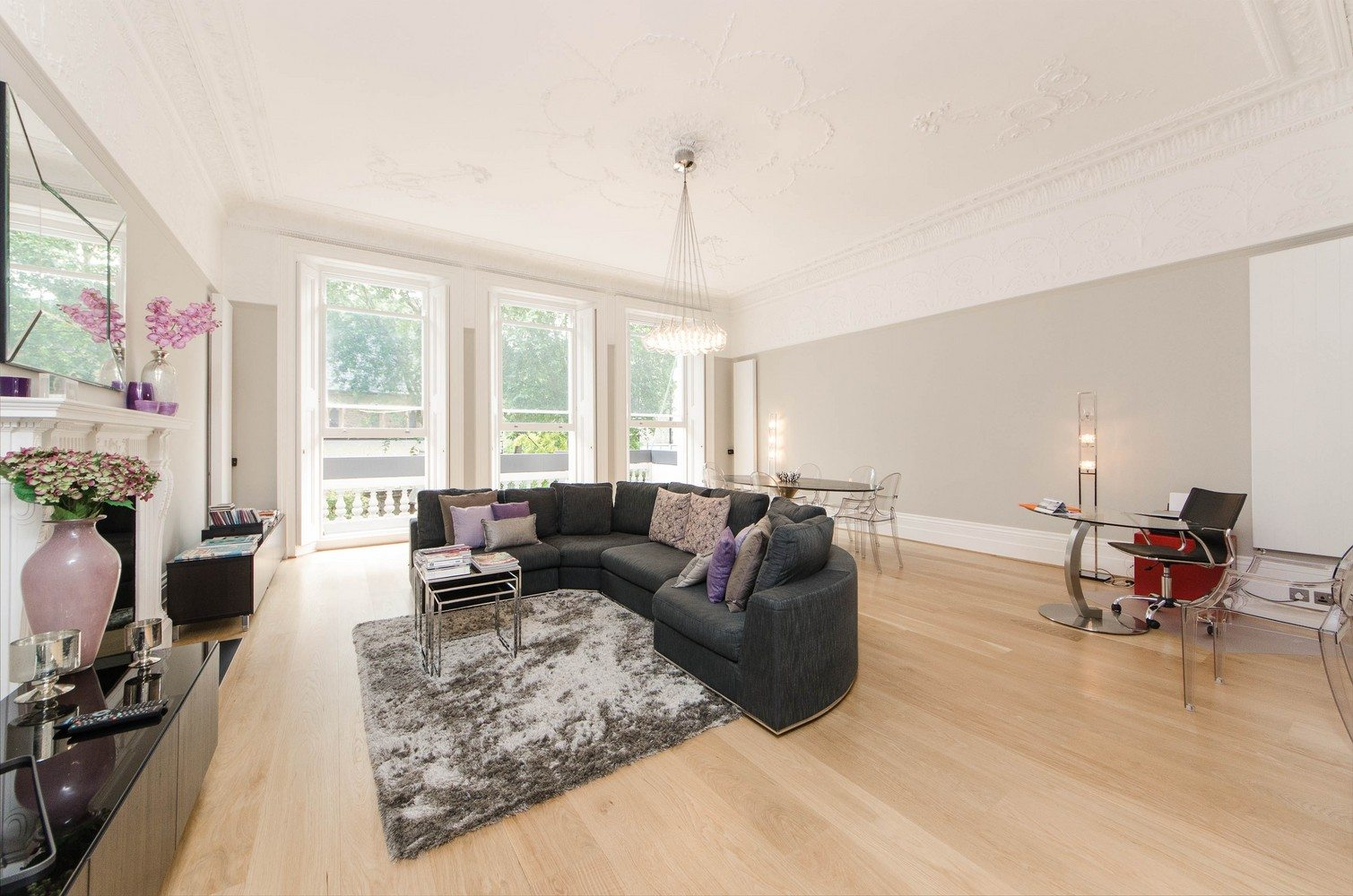 Luxury-Apartments-South-Kensington---Southwell-Gardens-Spacious-Living-Room