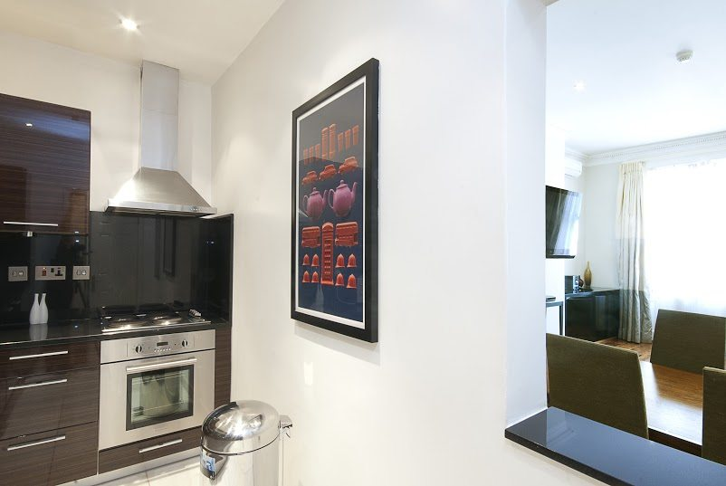 Short-Stay-Apartments-Mayfair-London---Urban-Stay-corporate-accommodation---Kitchen-5