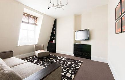 Short-Stay-Apartments-Mayfair-London---Urban-Stay-corporate-accommodation---Living-Room-7