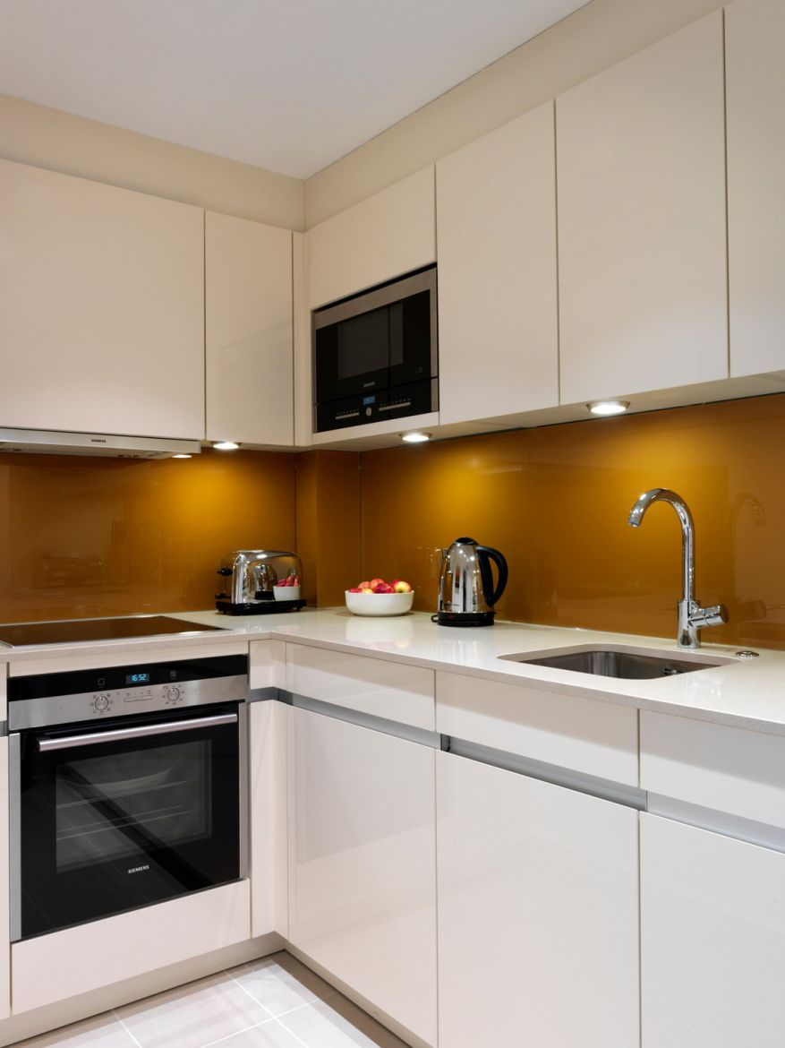 Kitchen-in-Calico-House-Apartments---Bank-Serviced-Apartments,-The-City-London