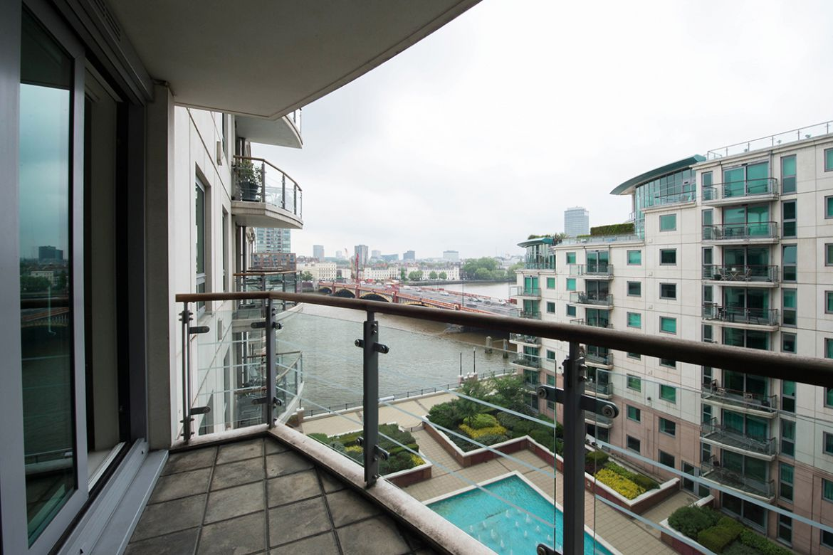 Luxury-Thames-View-Apartments-London-available-now!-Book-Cheap-Serviced-Accommodation-with-Free-Wifi,-Parking-and-Gym-Facility!-Book-Now-at-0208-6913920