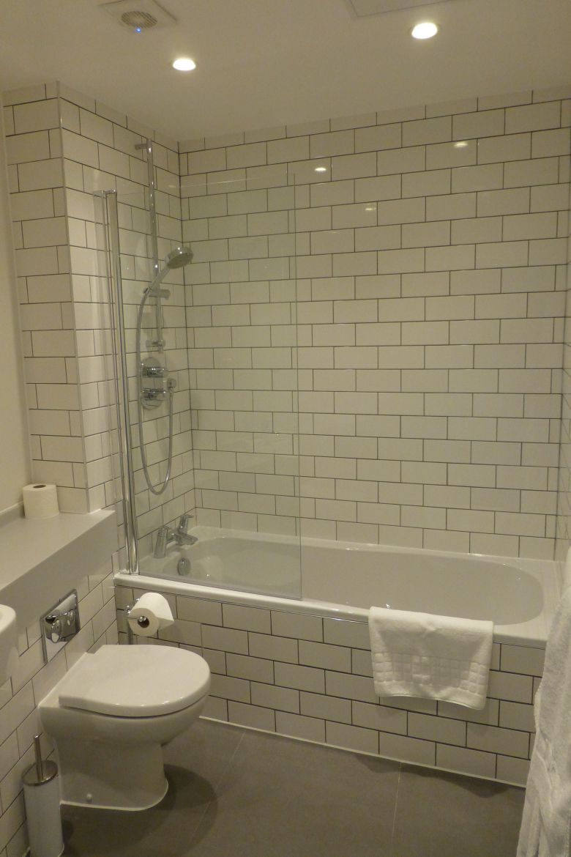 Modern-Bathroom-Rose-Street-Serviced-Apartments-Covent-Garden---Central-London