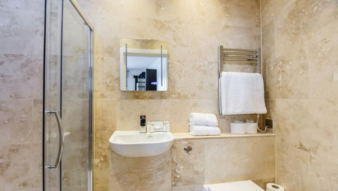 Ludgate Square Studio Serviced Apartment Blackfriars, London | Urban Stay