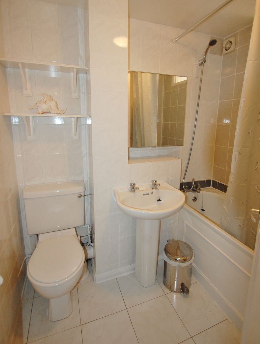 Chiswick-Apartment-London|-Stylish-Short-Let-Apartments-|-Free-Wifi-&-Maid-Service-|0208-6913920|-Book-With-Urban-Stay-for-the-Best-Rates
