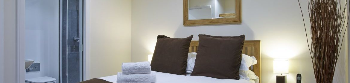 Self-Catering Apartments Reading, UK - Old British School Apartments available NOW! Book Luxury Accommodation near Reading + Private Balcony & Free Parking