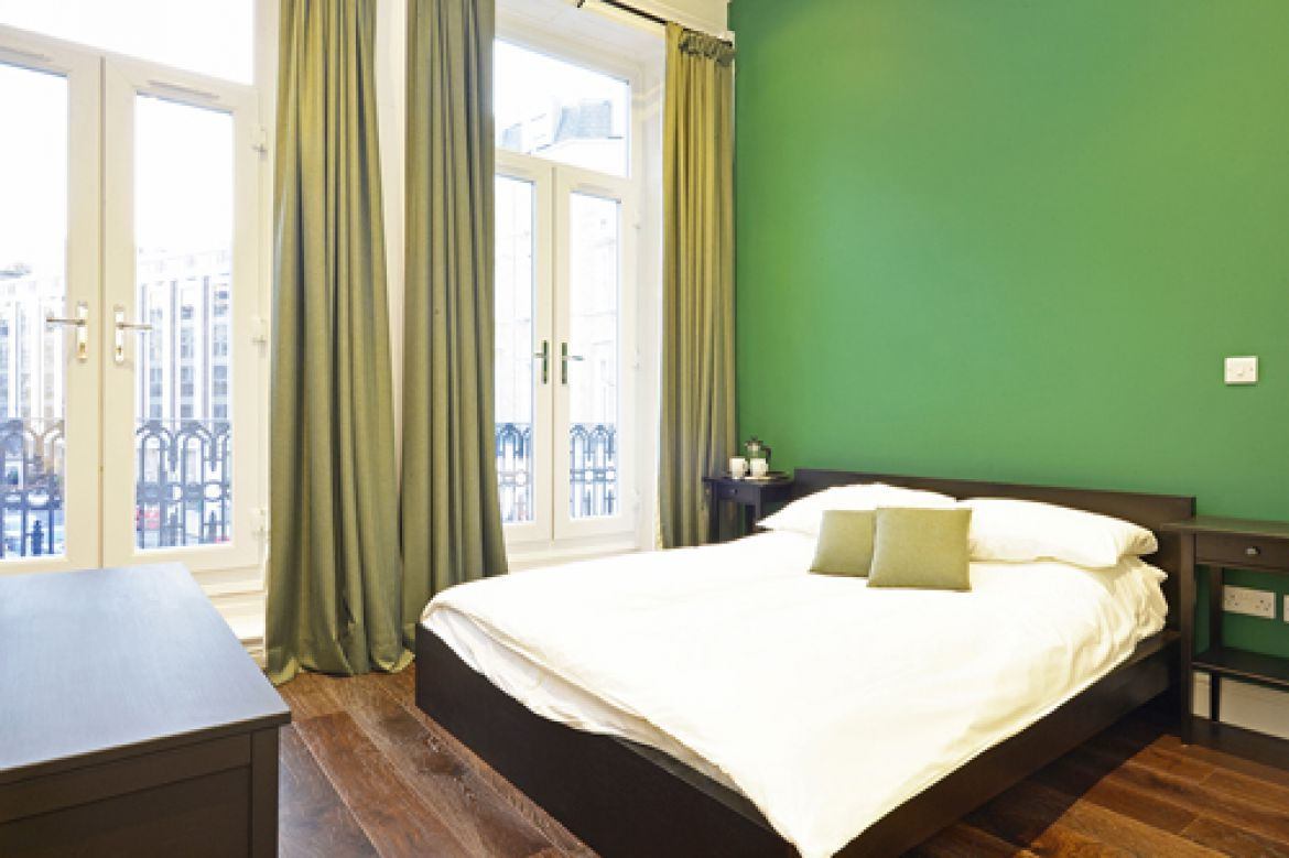 Looking-for-The-Best-Serviced-Accommodation-in-Kensington?-Book-luxury-short-let-apartments-in-West-Central-London-now!-Balcony,-Lift-Access,-Parking,-Wifi