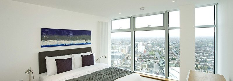 Ilford Serviced Accommodation, East London - Pioneer Point Apartments! Panoramic Views, Free Wi-Fi & Equipped Kitchen! Book NOW for best rates! I Urban Stay