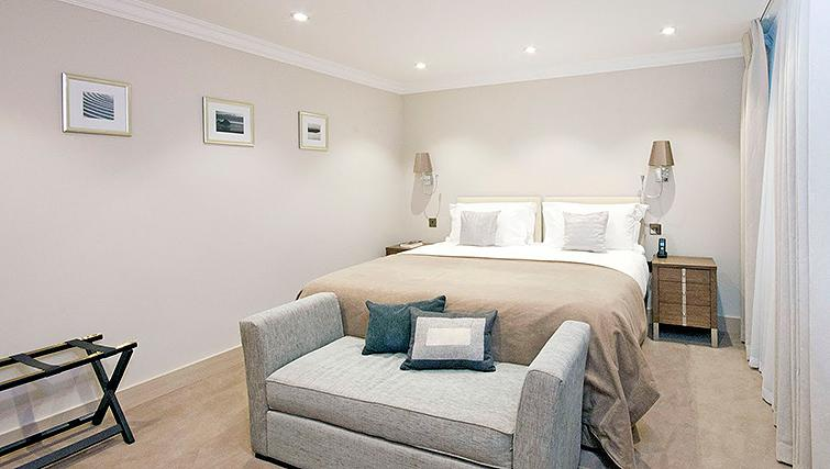 Claverley-Court-Serviced-Apartments---Knightsbridge,-London
