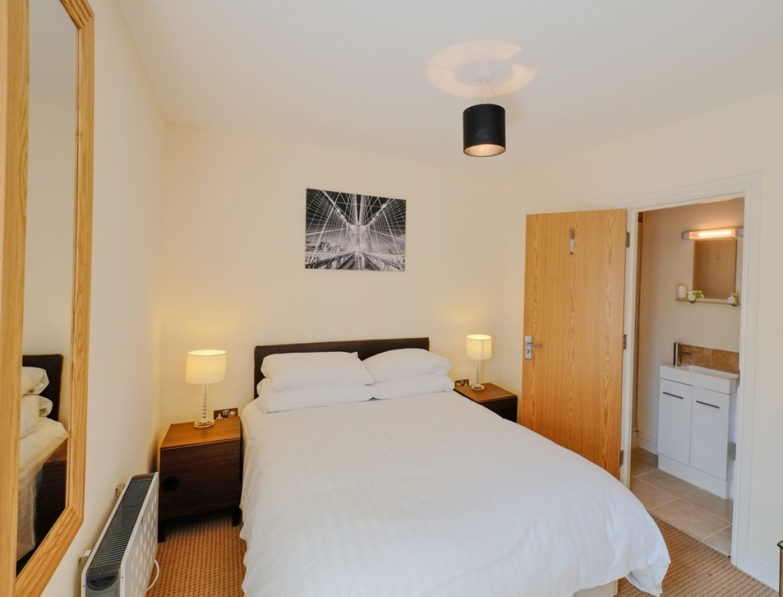 Hanbury-Street-Serviced-Apartments-Shoreditch,-London-|-Urban-Stay
