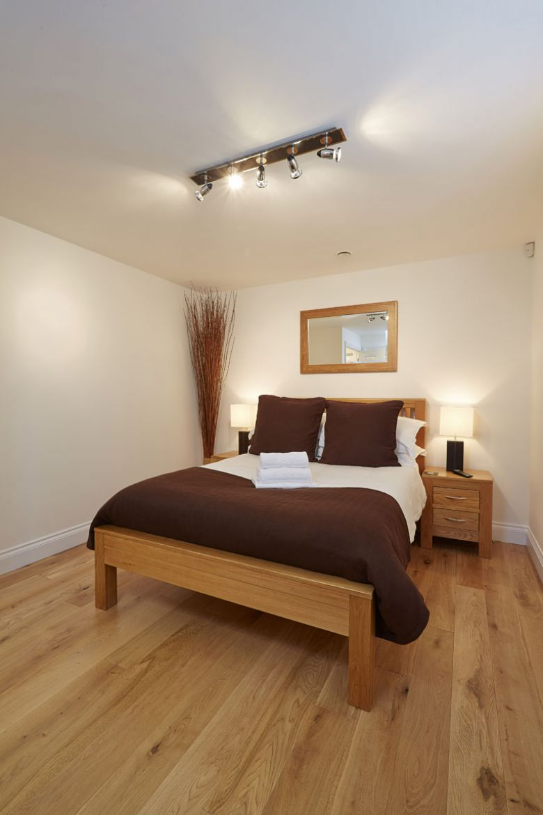 Serviced-Accommodation-Maidenhead---Hendry-Court-Serviced-Apartments-Maidenhead---Cheap-Self-catering-Accommodation-UK---Urban-Stay