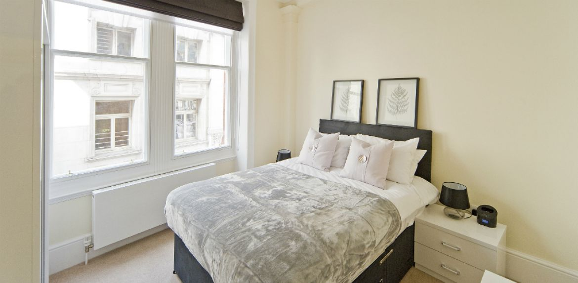 Serviced-Apartments-Leicester-Square-available-NOW!-Book-Central-London-Accommodation-near-Soho,-West-End,-Covent-Garden-&-Piccadilly-Circus-with-Urban-Stay