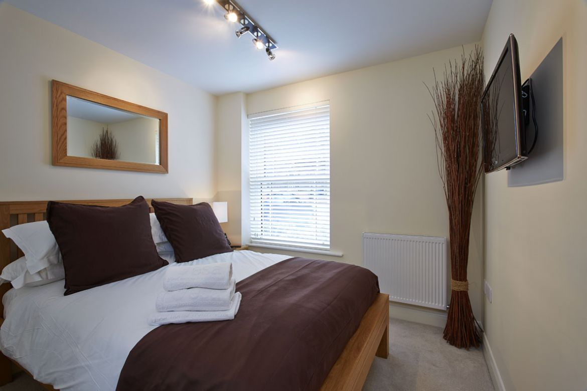 Serviced-Apartments-Windsor-Castle,-UK---Trinity-Court-Apartments-Available-now!-Book-Cheap-&-Luxurious-Apartments-with-Free-Wifi,-Sky-Channels-&-Lift