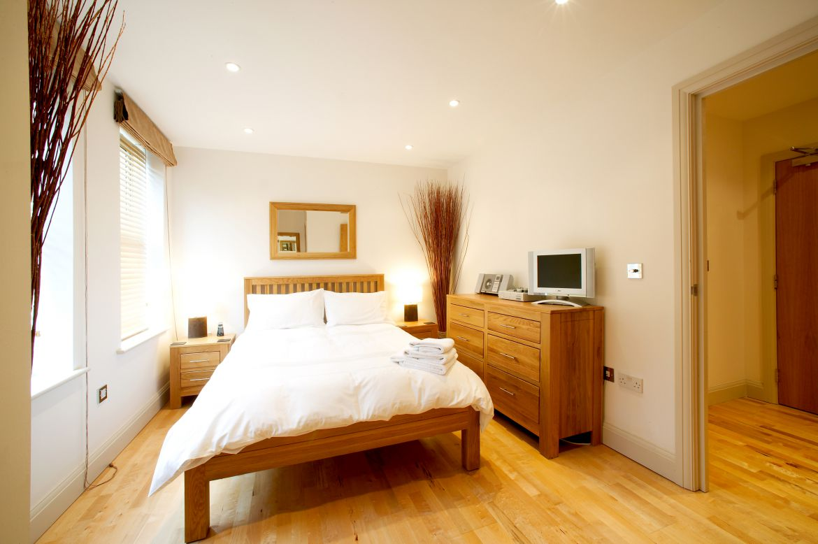 Newbury-Serviced-Accommodation---Pelican-House-Apartments,-Available-now!-Book-Luxurious-Accommodation-with-Beautiful-Interior-&-Free-Wi-Fi-|-Urban-Stay