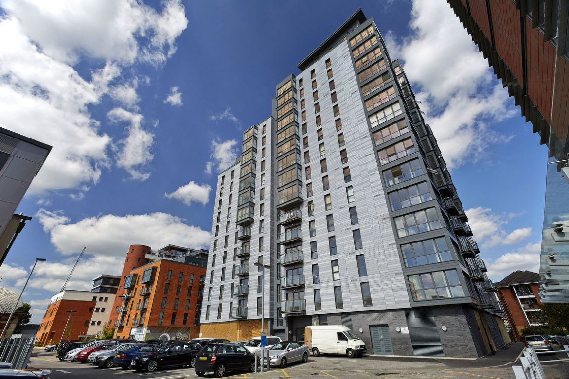 Lewis-Court-Serviced-Apartment-Maidenhead,-UK-|-Urban-Stay