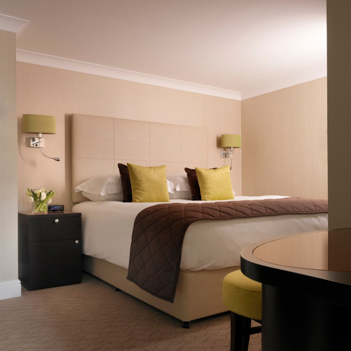 Bedroom-in-Calico-House-Serviced-Apartments-Bank,-The-City-of-London