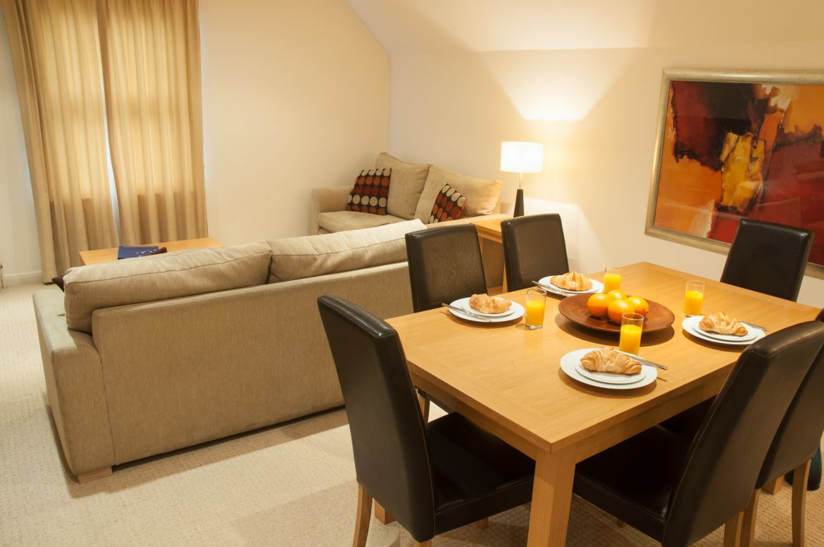 Book-Kew-Serviced-Apartments-near-Kew-Gardens-now!-Urban-Stay's-West-London-Short-Stay-Accommodation-is-great-for-families-&-business-travellers-relocating!