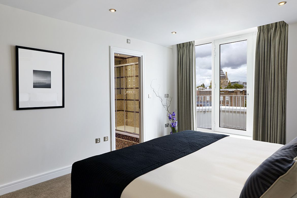 Harrington-Court-Apartments-South-Kensington---Urban-Stay-Luxury-Accommodation-Central-London---bedroom-5