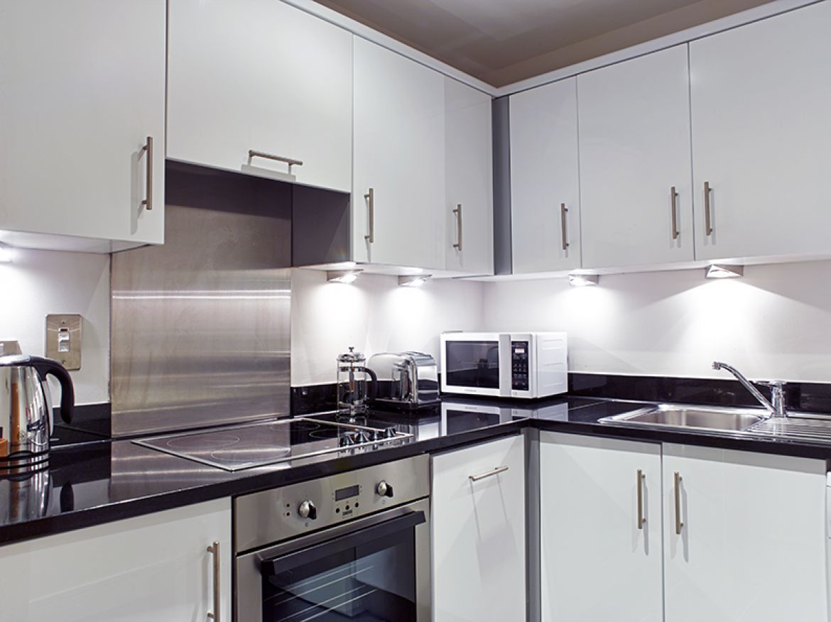 Harrington-Court-Apartments-South-Kensington---Urban-Stay-Luxury-Accommodation-Central-London---kitchen-2
