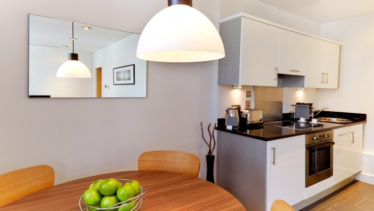 Harrington-Court-Apartments-South-Kensington---Urban-Stay-Luxury-Accommodation-Central-London---kitchen-3