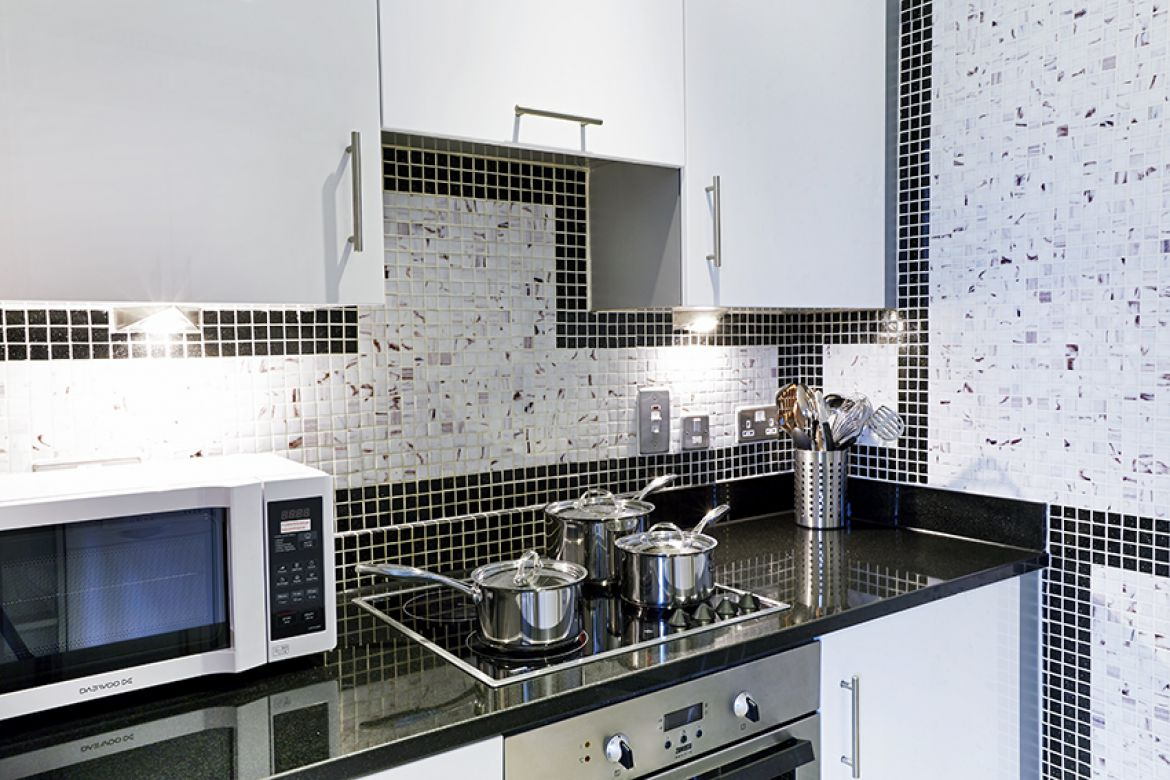 Harrington-Court-Apartments-South-Kensington---Urban-Stay-Luxury-Accommodation-Central-London---kitchen-4